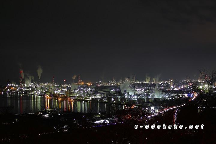 亀居公園からの大竹の工場夜景の眺め