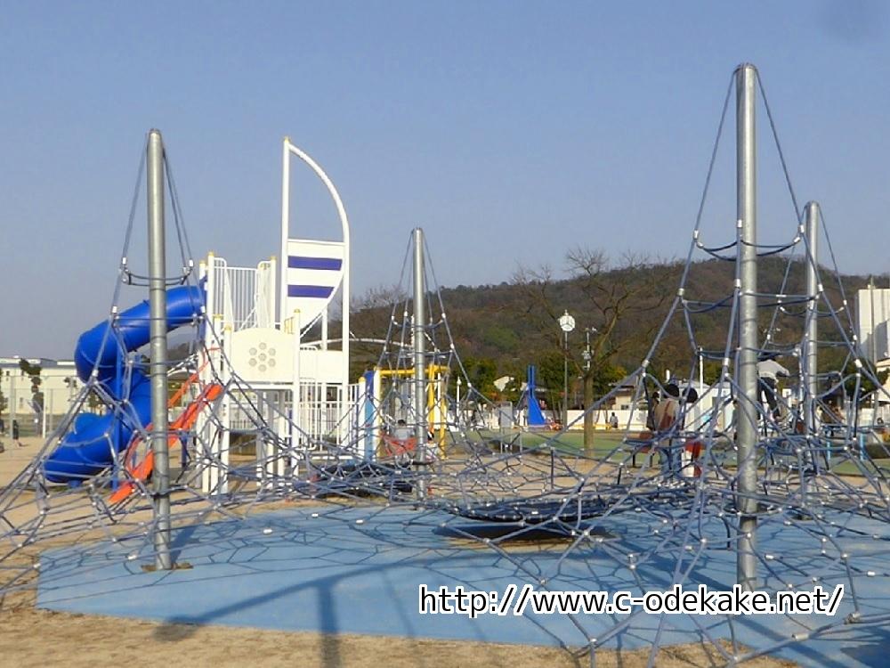 きらり・さかなぎさ公園-親子連れにやさしい新しい公園です ...